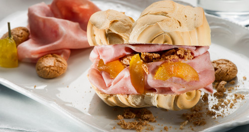 FERRARA BREAD, BOLOGNA, FRUIT MUSTARD FROM MANTOVA AND AMARETTO CRUMBS